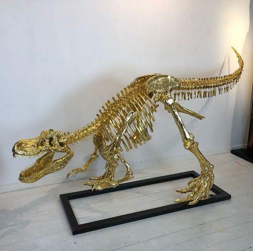 tyrannosaurus rex ,gilt