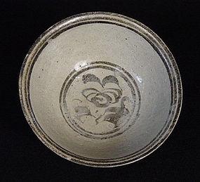 Bowl, Sisatchanalai, Thailand, ca. 14th-16th Century
