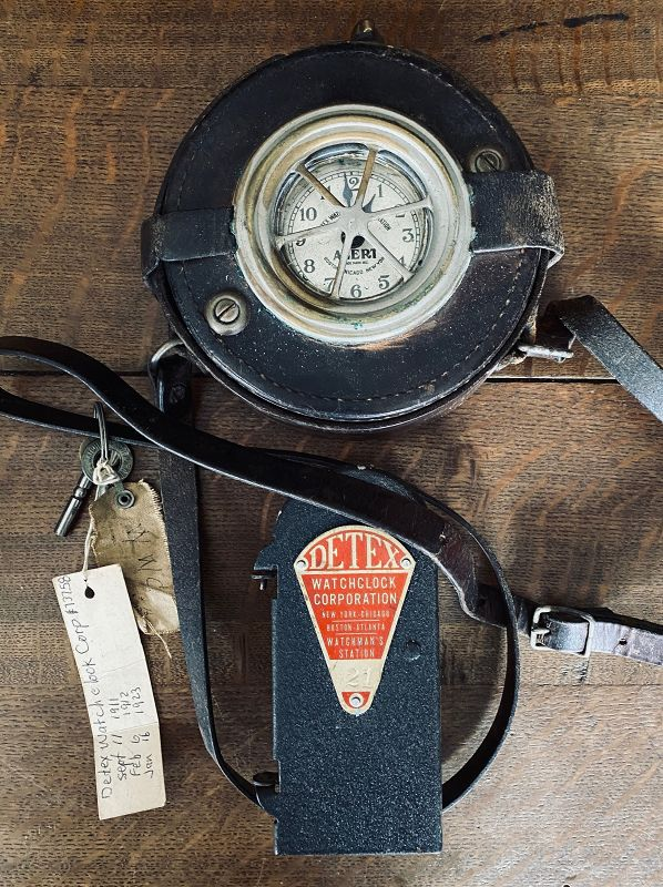 DETEX GUARDSMAN STATION CLOCK WITH LEATHER COVER, STRAP & KEYS 1924