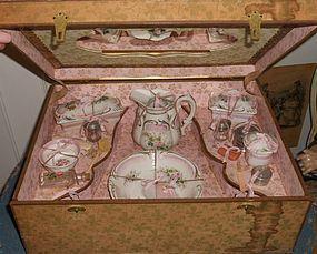 Superb French Porcelain Doll´s Toilette in Original Presentation Box