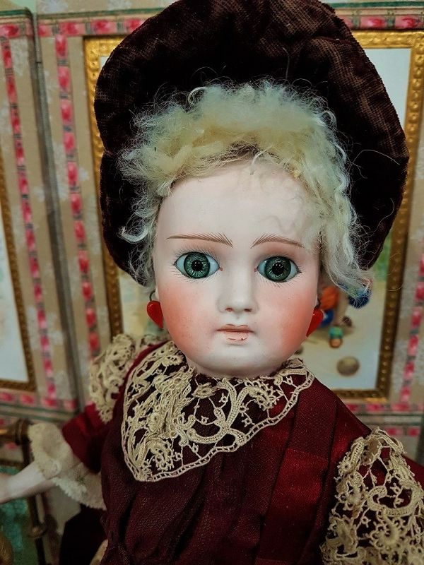 ~~~ Beautiful Bisque Bebe for the French Market / 1885 ~~~