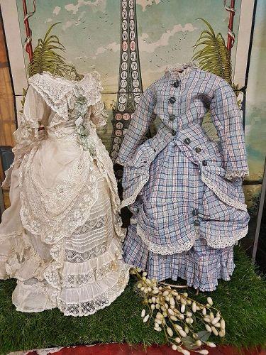 ~~~ Pretty Antique French Fashion Woolen Costume ~~~