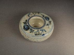 Chinese porcelain water pot, underglaze blue