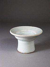Korean porcelain stand for a stemcup