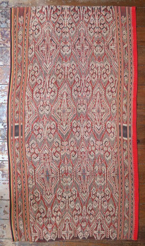 Borneo | early 20th c ikat Iban skirt (kain kebat /bidang)