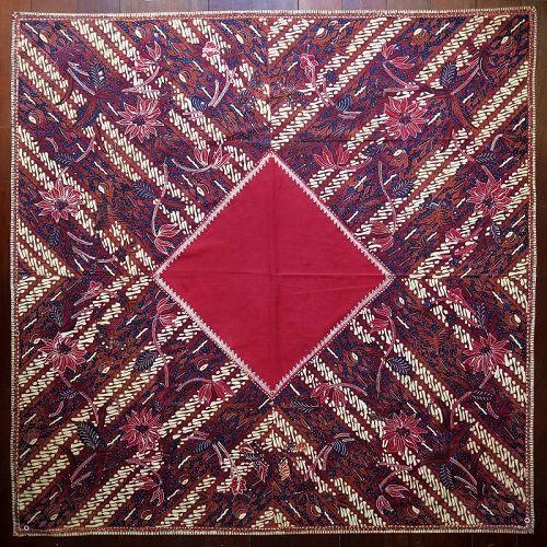 Java | Mid 20th C Hand-Drawn Batik Head Cloth (<i>Iket Kepala</i>)