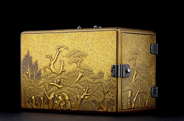 Lacquer incense chest with Pine tree design