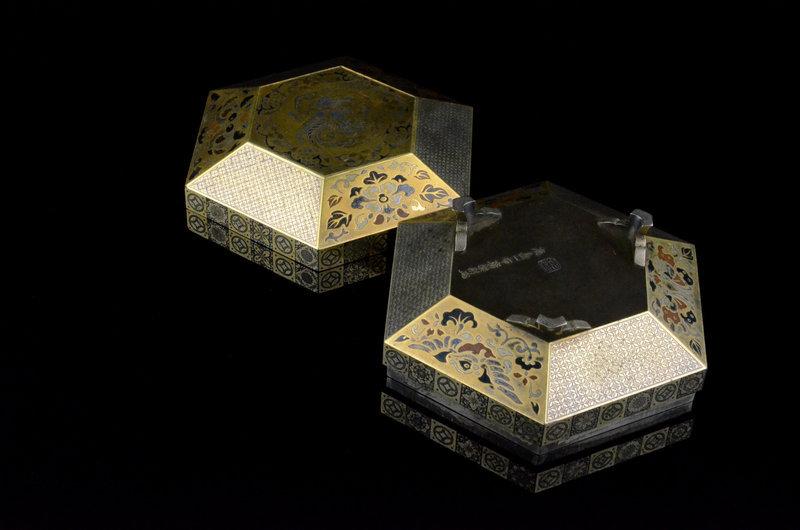 Gold and Silver inlay box made by Kashima Ippu