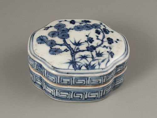 Chinese Blue and White Porcelain Seal Container