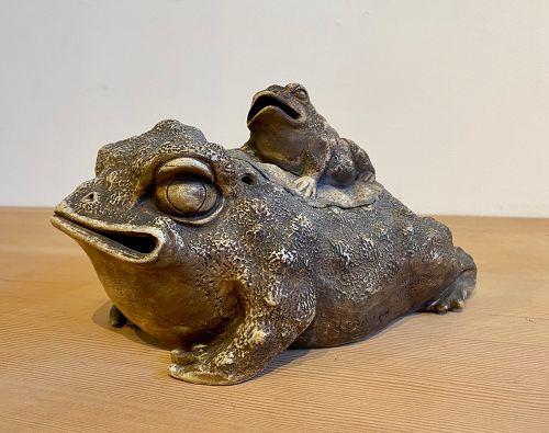 Izushi Yaki Pottery Japanese Frog Incensor
