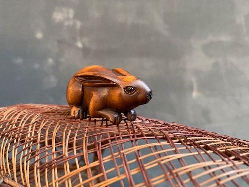 Japanese Netsuke Moon Viewing Rabbit Boxwood Artist Signed
